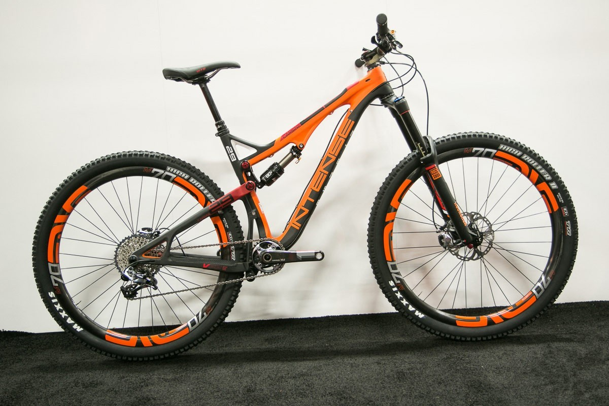 Test: Bicicleta de enduro / all mountain Intense Carbine 29 - 2015 ...