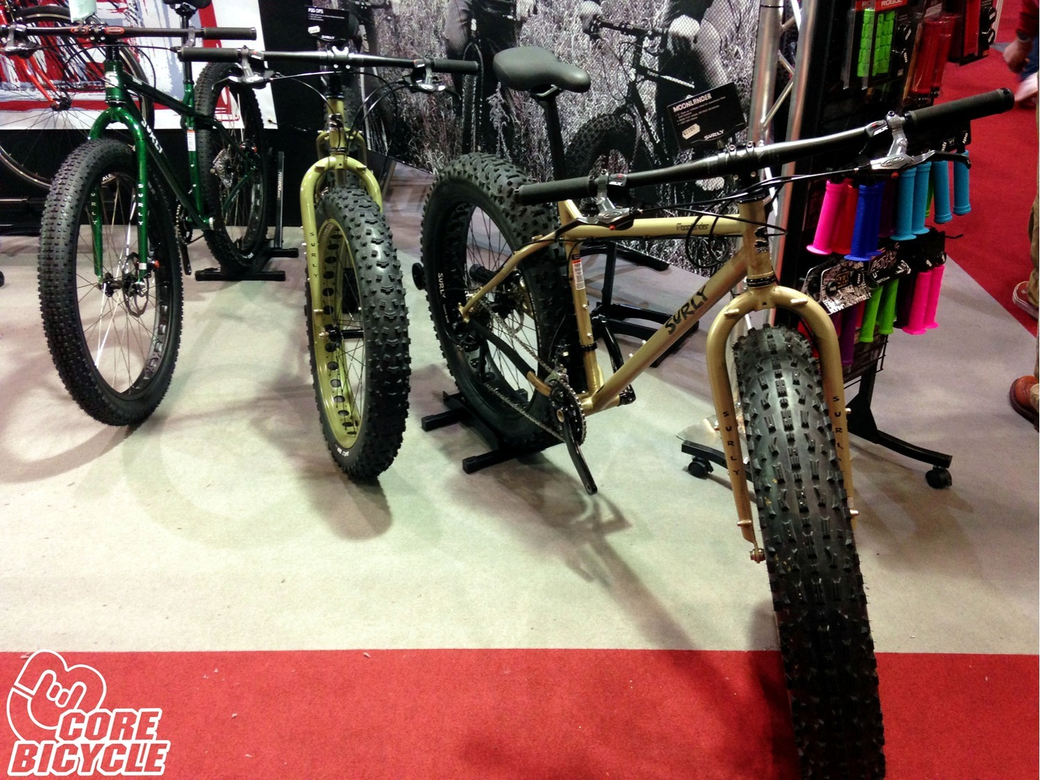 Surly de su serie Omni Terra Moonlander, Pug Ops and Pugsley london bike show