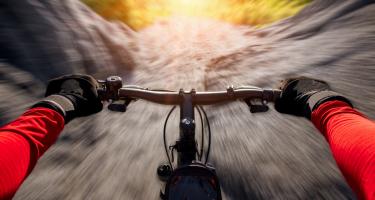 La importancia de usar unos buenos guantes a la hora de realizar ciclismo